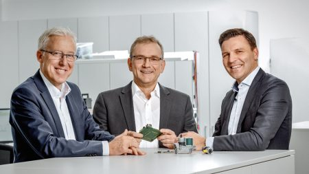 Heads of the development center: Hans-Joachim Klink, Head of Platform Development in Landshut, Stephan Wald, Head of Development for Heating in Osnabrück, and Stefan Brandl, Managing Director in Landshut and Chairman of the Board of Directors of the ebm-papst Group since January 2017. (Photo | Christa Henke)