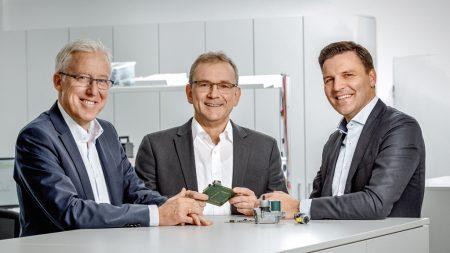 Heads of the development center: Hans-Joachim Klink, Head of Platform Development in Landshut, Stephan Wald, Head of Development for Heating in Osnabrück, and Stefan Brandl, Managing Director in Landshut and Chairman of the Board of Directors of the ebm-papst Group since January 2017. (Photo | Christa Henke)